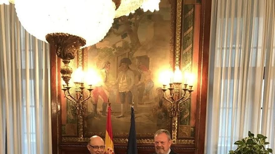 Gobierno y Euskadi pactan el déficit 2016-2019 y abren el diálogo sobre el Cupo vasco y el Concierto