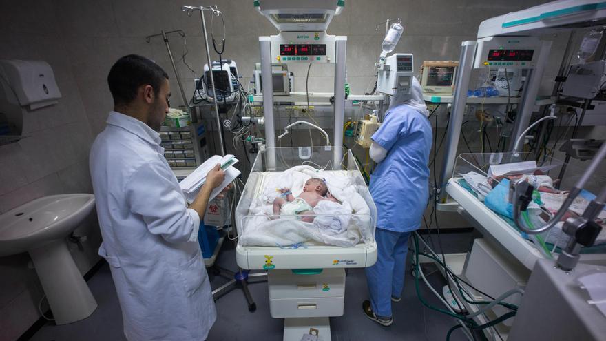 Los pequeños muy graves son trasladados desde la Franja de Gaza hasta Jerusalén, pero habitualmente sus padres no pueden acompañarlos.