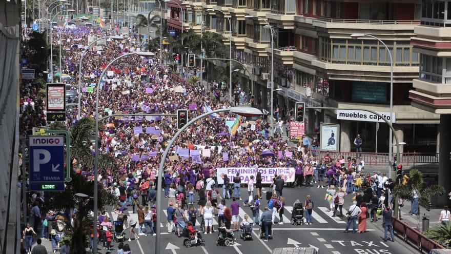 Manifestación feminista del 8M en Las Palmas de Gran Canaria. (ALEJANDRO RAMOS)