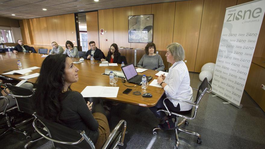 Carmen Sánchez, Pilar Ripoll y Marta Torres durante la presentación del estudio