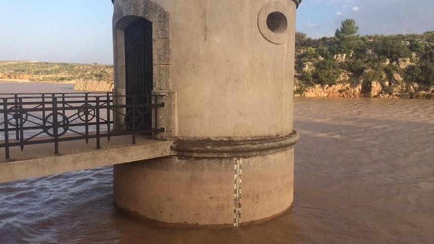 Imagen de archivo del pantano de Almansa