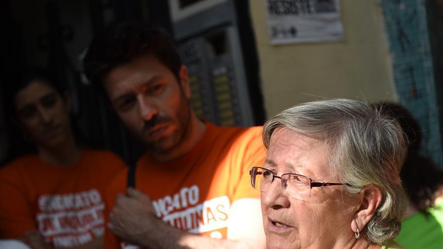 Teresa Sarmiento, inquilina de Argumosa 11, la pasada semana en una rueda de prensa. / Fernando Sánchez