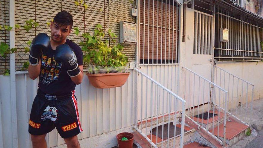 Christian, uno de los alumnos de esta escuela de boxeo