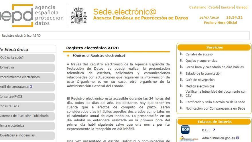 Formulario de la Agencia Española de Protección de Datos para reportar prácticas abusivas o violaciones de la regulación en materia de privacidad.
