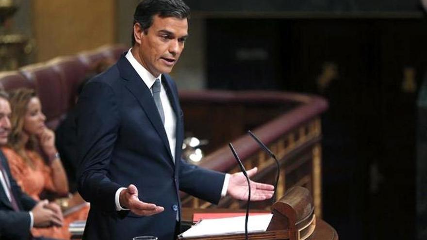 """Sánchez, contra Rajoy en el Debate de investidura por """"manipular"""" RTVE"""