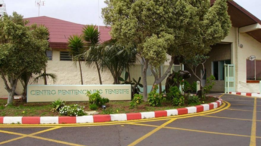 Acceso principal a la prisión de Tenerife, en el municipio de El Rosario