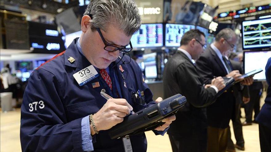 Wall Street abre a la baja y el Dow Jones cede un 0,14 por ciento