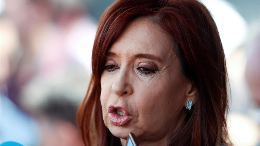 Cristina Fernández se presenta el lunes ante juez por caso de red de sobornos