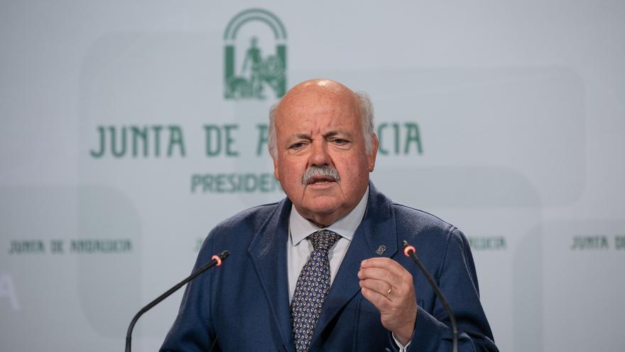 """Aguirre asegura que si no se puede """"solventar"""" el problema de las listas de espera habrá que """"intentar externalizarlas"""""""