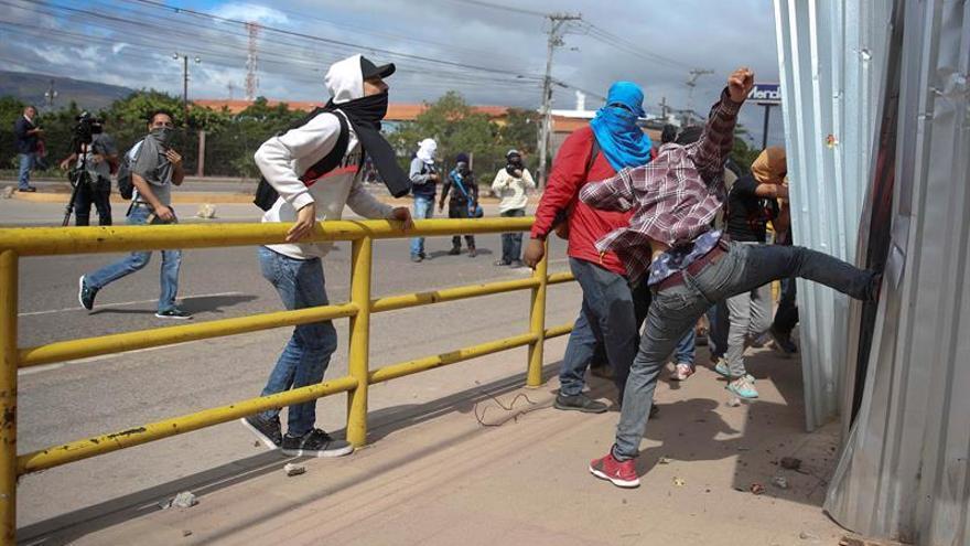 Incertidumbre y violencia en Honduras, que sigue sin conocer al presidente electo