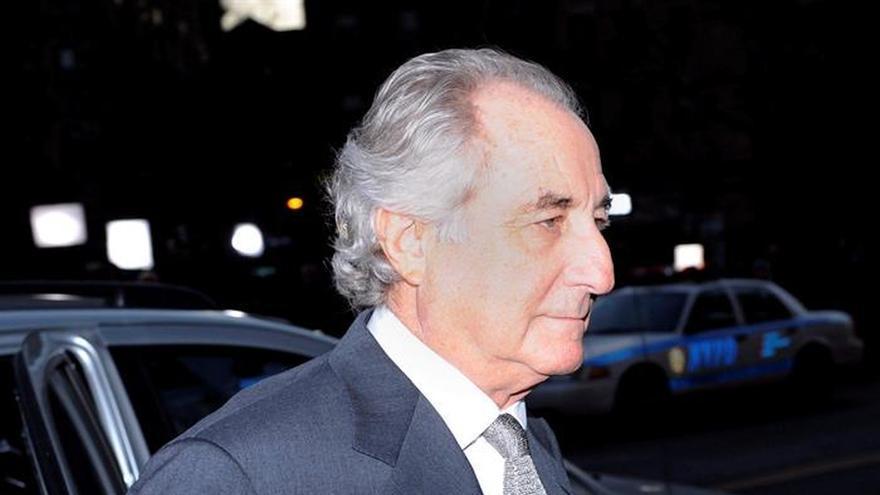Una víctima de estafa piramidal de Madoff se quita la vida en Nueva York