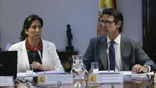 Soria maniobra para colocar a altos cargos del PP en las oficinas de turismo en el exterior