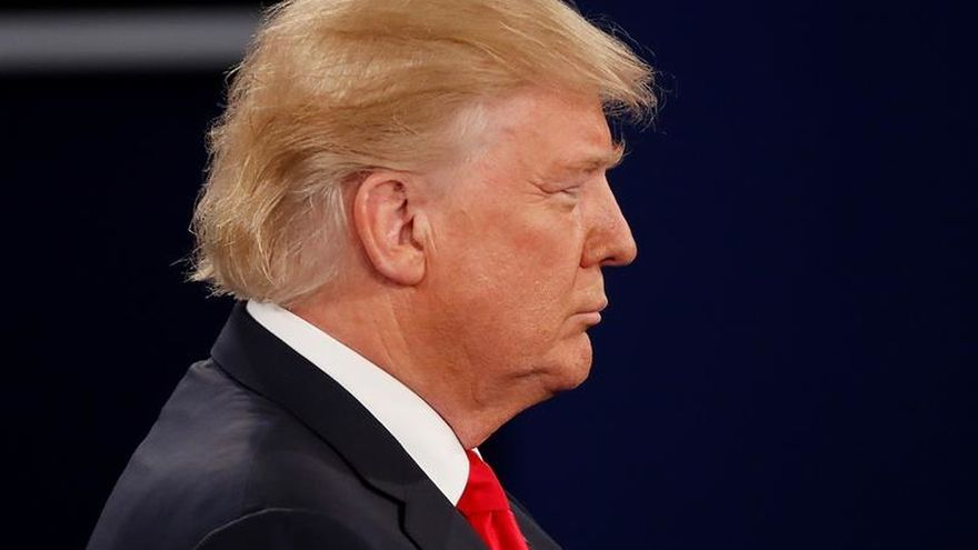 Trump critica a Obama por invertir su semana en hacer campaña para Clinton