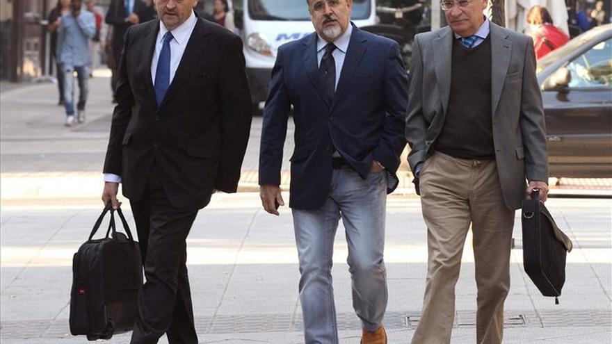Prieto y García Hidalgo declaran como imputados por obras en sedes del PSOE