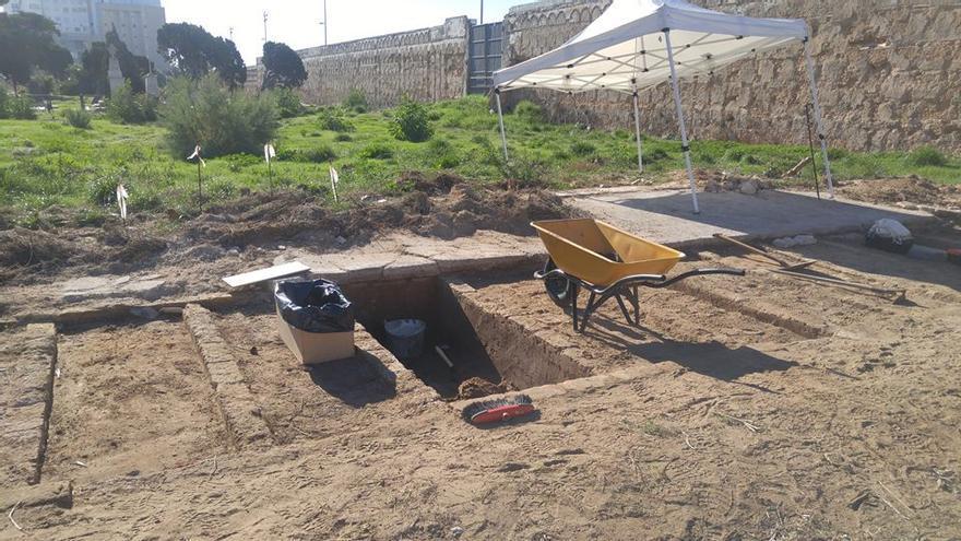 Imagen de los trabajos de exhumación en el cementerio de San José.