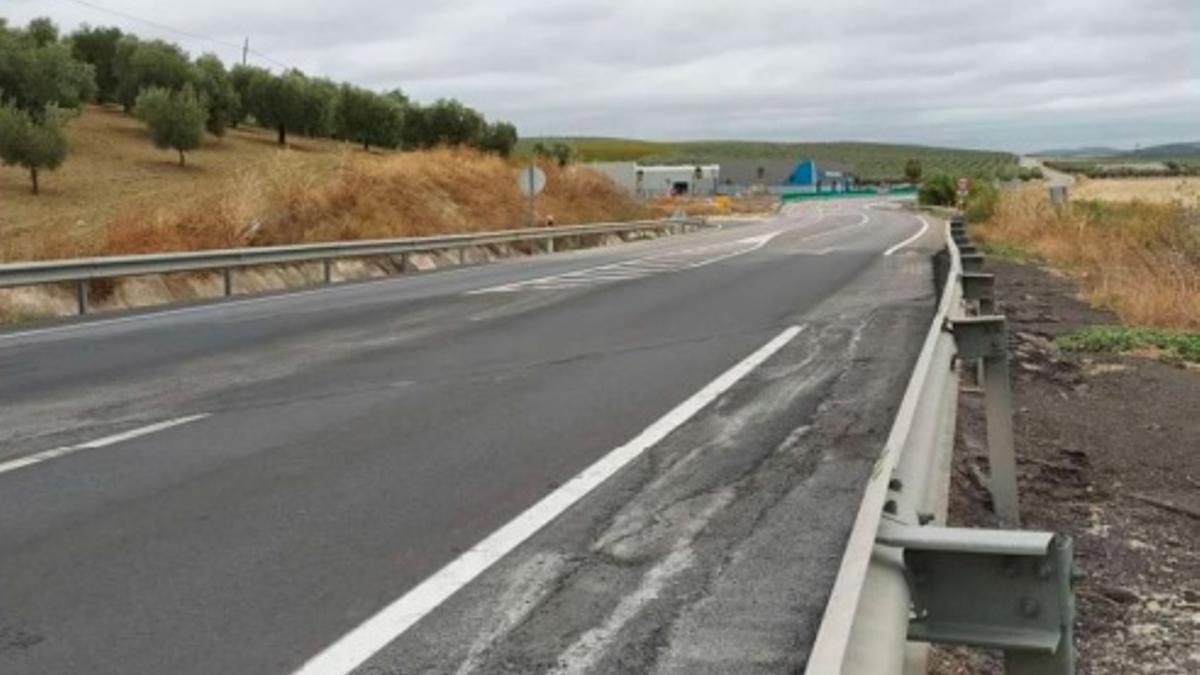 Deslizamientos registrados en la carretera a reparar