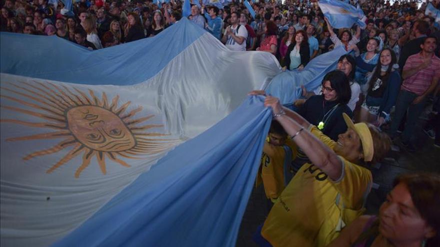 Del reguetón de Macri al tango del derrotado de Scioli