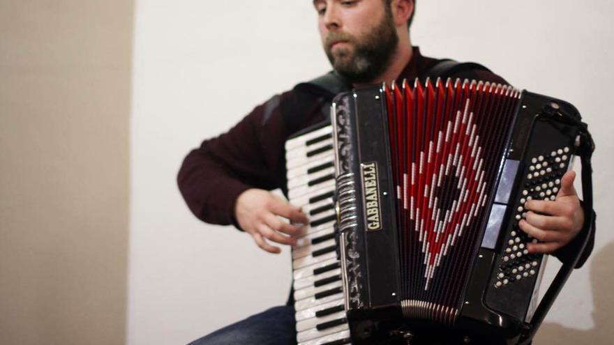 Pedro Lópeh, acordeonista y flamenco.