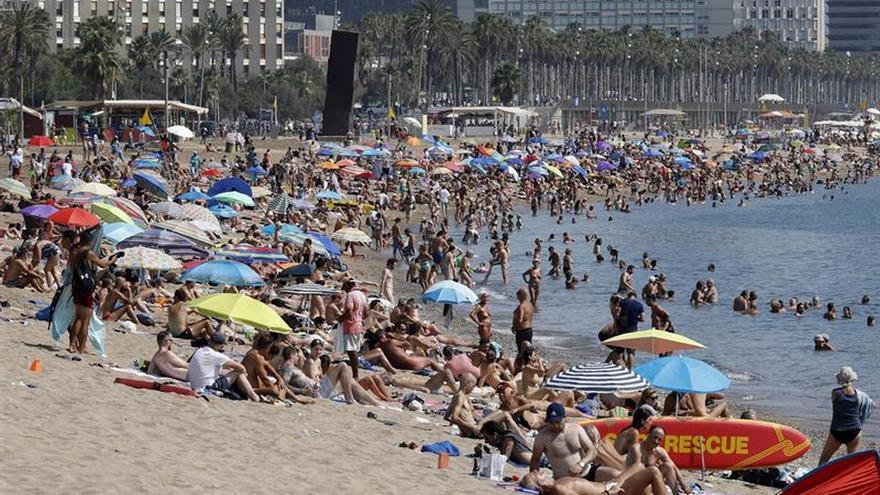 Las pernoctaciones extrahoteleras descendieron un 4 por ciento en julio