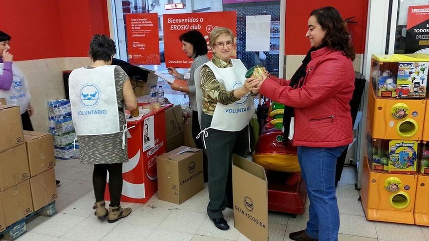 El Banco de Alimentos de Bizkaia espera consolidar en la 'gran recogida' el millón de kilos logrados el año pasado