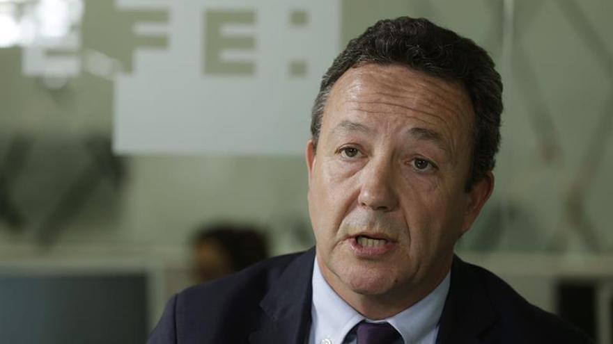 Henríquez de Luna pide más democracia interna en el Congreso nacional del PP