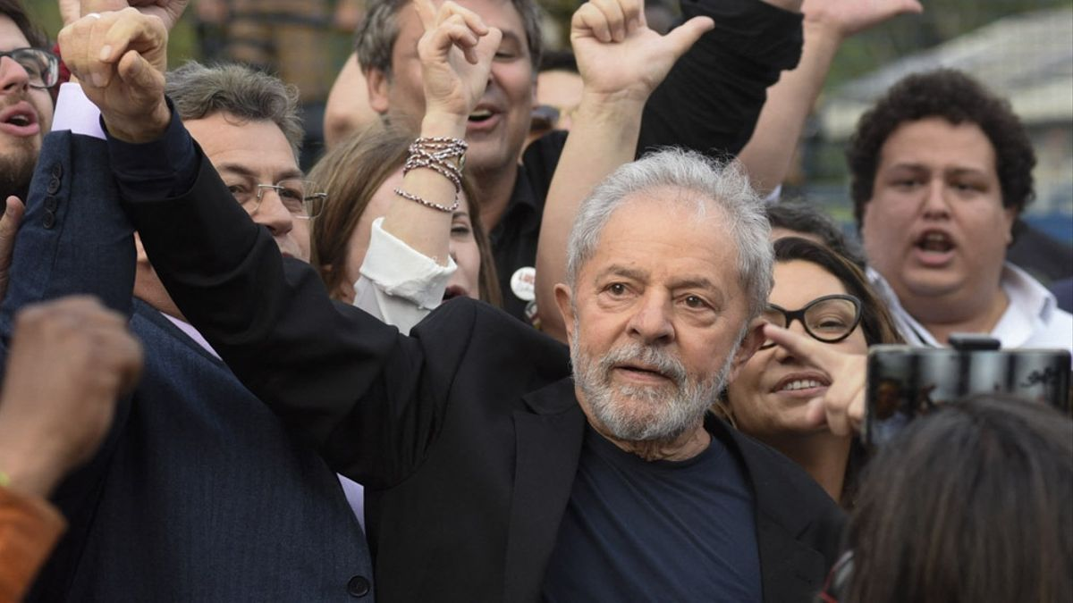 Lula da Silva encabeza las encuestas para 2022