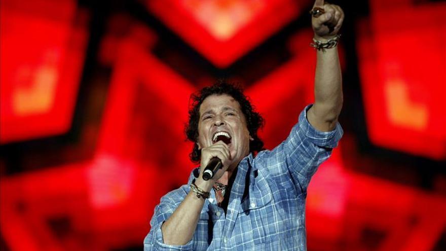 Carlos Vives le canta a los niños en Medellín y rinde tributo al vallenato