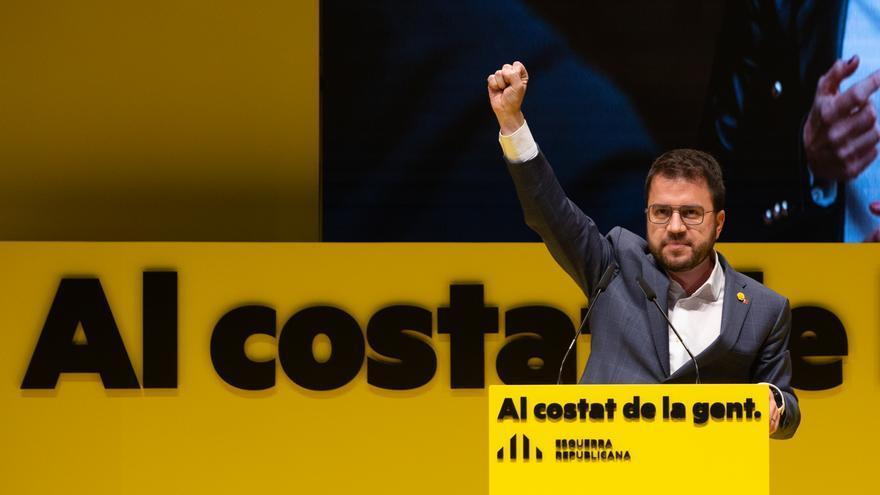 El candidato a la presidencia de la Generalidad de Cataluña, Pere Aragonés interviene en el inicio de la campaña electoral para los comicios del 14 de febrero, en el Teatro Monumental de Mataró, en Barcelona, Catalunya (España), a 28 de enero de 2021.