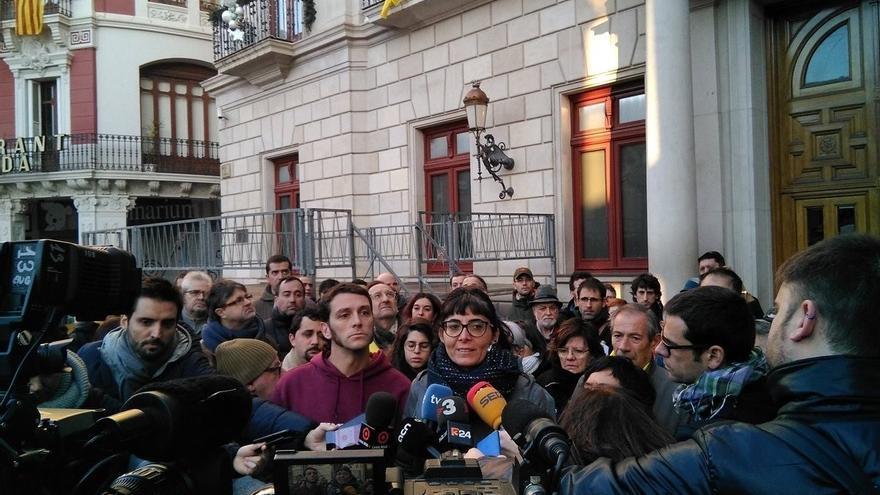 Los dos concejales de la CUP de Reus en una rueda de prensa antes de ser detenidos
