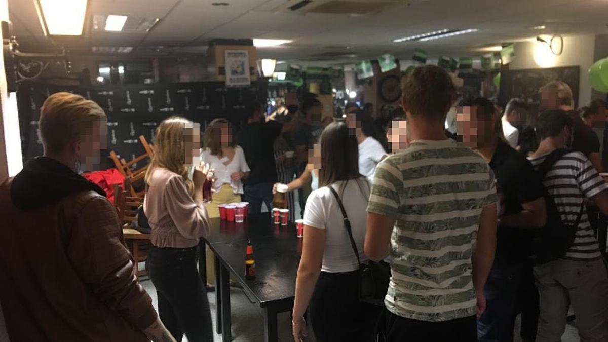 Imagen de la fiesta desmantelada.