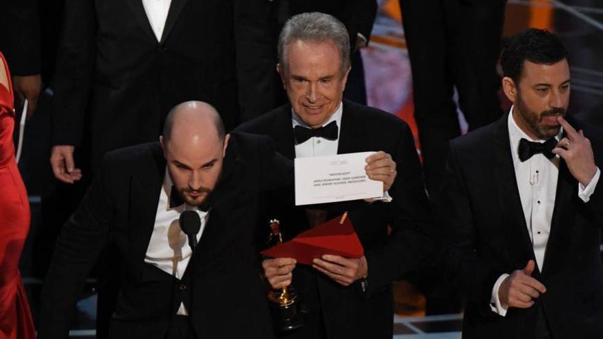 Fotograma de la emisión de los Oscar 2017, en el que 'Moonlight' se revelaba como ganadora