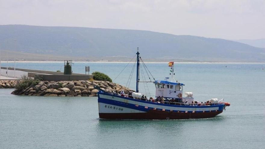 Tres palangreros de Barbate, los primeros barcos gaditanos que ya faenan en Marruecos por el acuerdo de pesca