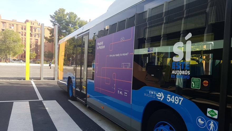 Autobús de la EMT con el sistema de reconocimiento facial instalado, en el día de la presentación del proyecto.