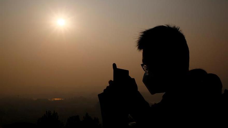 La contaminación obliga a cerrar un aeropuerto y varias autopistas en China