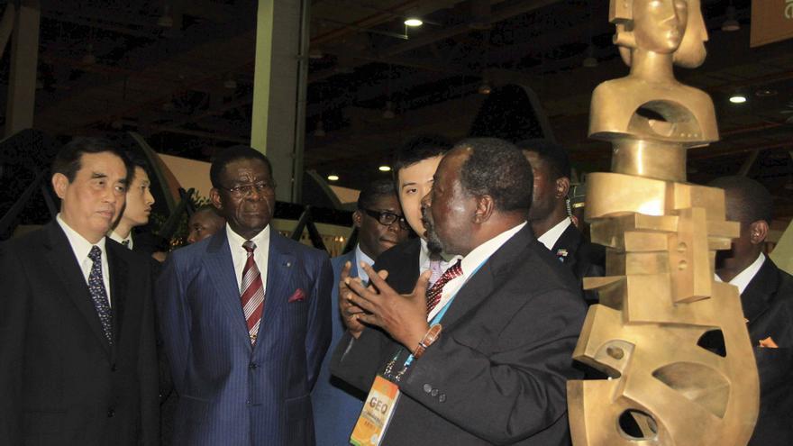 Muere en Malabo el político y escultor Leandro Mbomio Nsue