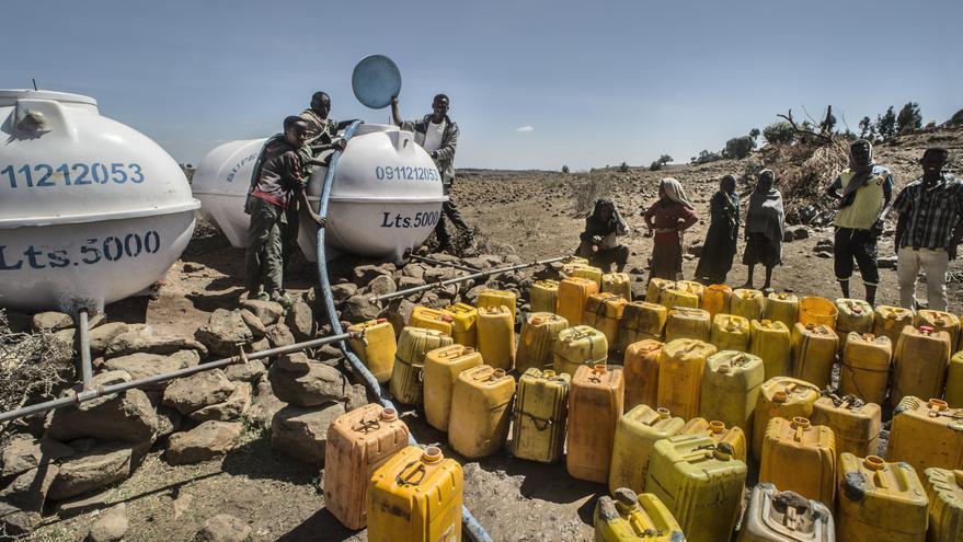 Los tanques potabilizan el agua en Janamora, Etiopía. Ángel López Soto / AeA