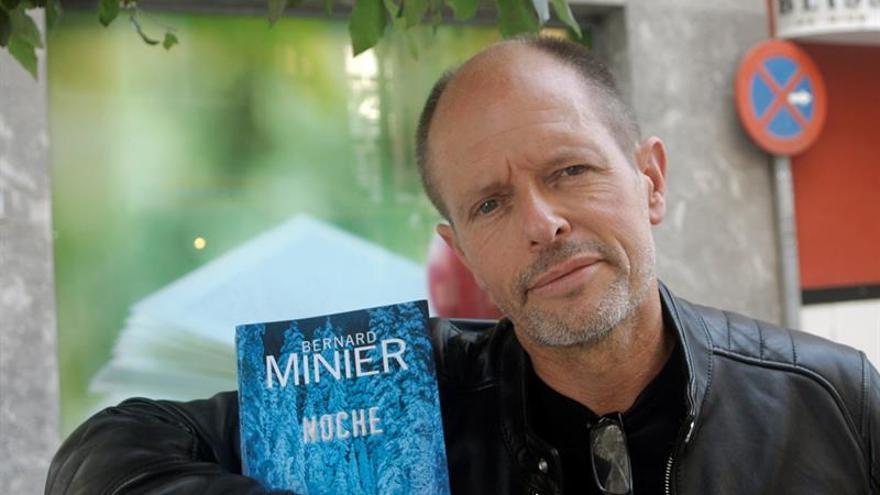 Bernard Minier rinde homenaje a los fundadores de la novela negra escandinava