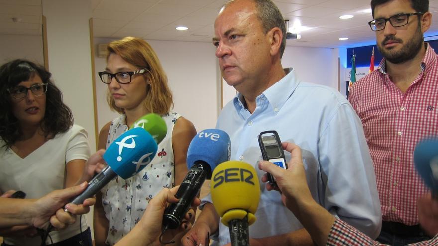 """Monago cree que las declaraciones de Felipe González son """"como ladrarle a la luna"""", ya que no está en el Comité Federal"""