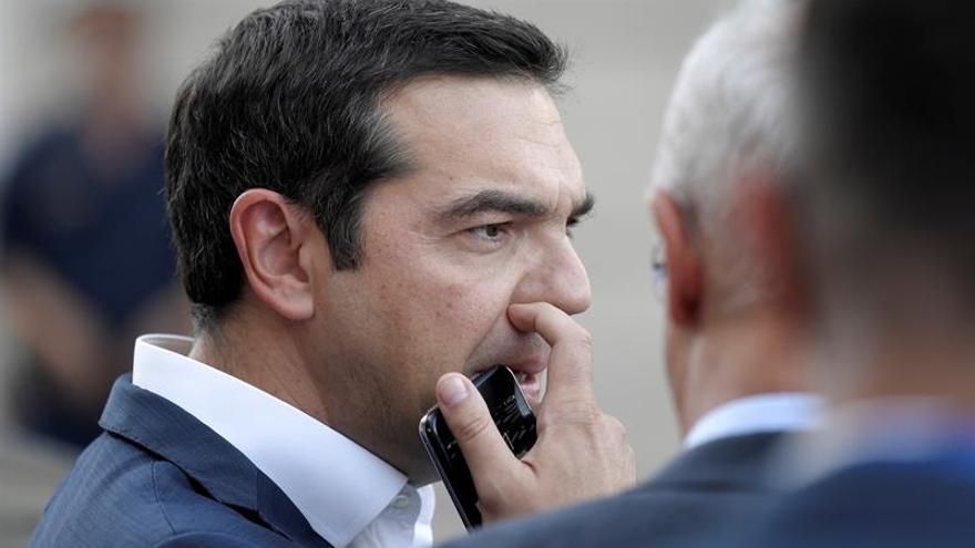 Tsipras felicita a Sánchez e Iglesias por el pacto presupuestario