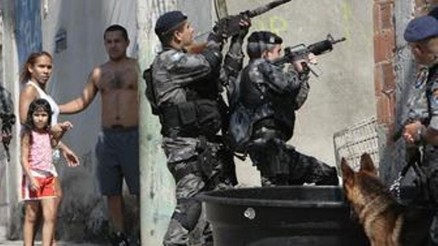 """El alcalde de Río afirma que """"hay que hacer mucho"""" en seguridad"""