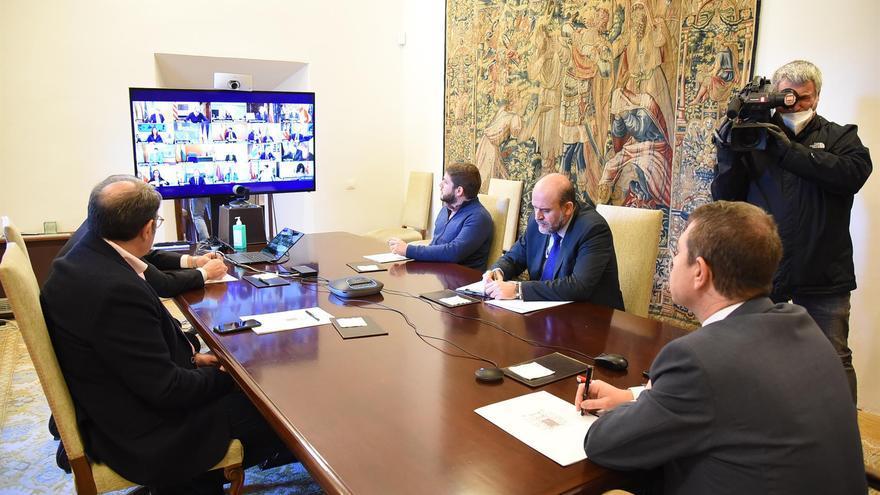Page traslada a Sánchez su preocupación por la paralización de la producción de las empresas exportadoras