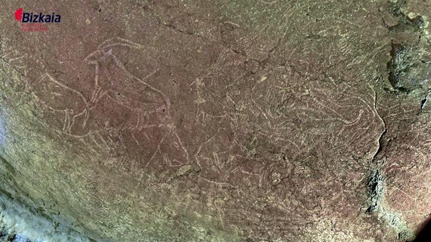 """Hallan en Bizkaia los grabados paleolíticos """"más impactantes"""" de la Península"""