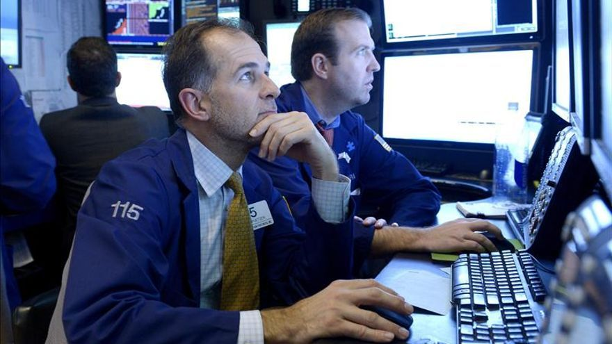 Wall Street abre con resultados mixtos y el Dow Jones pierde un 0,20 por ciento