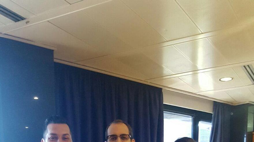 La La consejera de Juventud del Cabildo de La Palma, Ascensión Rodríguez, con su homólogo en Gran Canaria, Miguel Montero, y el director general de Juventud del Gobierno de Canarias, José Téllez.