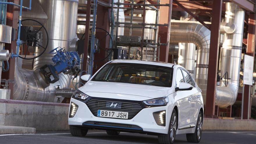 Hyundai presenta la versión híbrida del Ioniq.