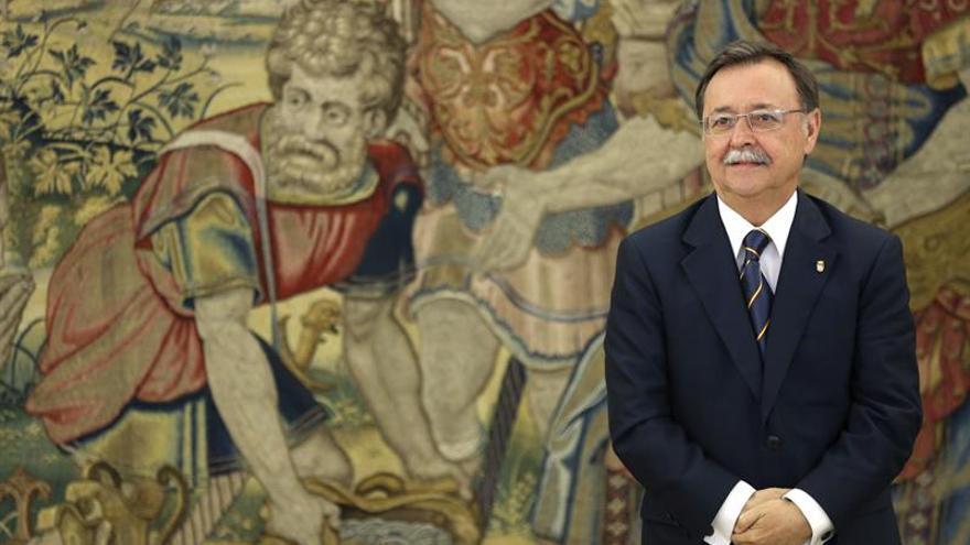 El presidente de Ceuta estima necesario una rotación en el Estrecho más barata