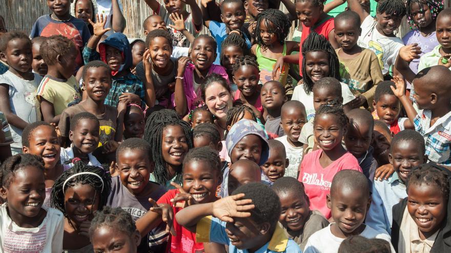 Otro de los proyectos que se recogen en el libro 'Todos los caminos llevan a África': 'La fábrica de la felicidad' (Mozambique)