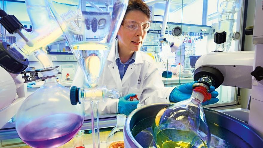 (Ampl) Bayer ofrece 55.200 millones por la estadounidense Monsanto