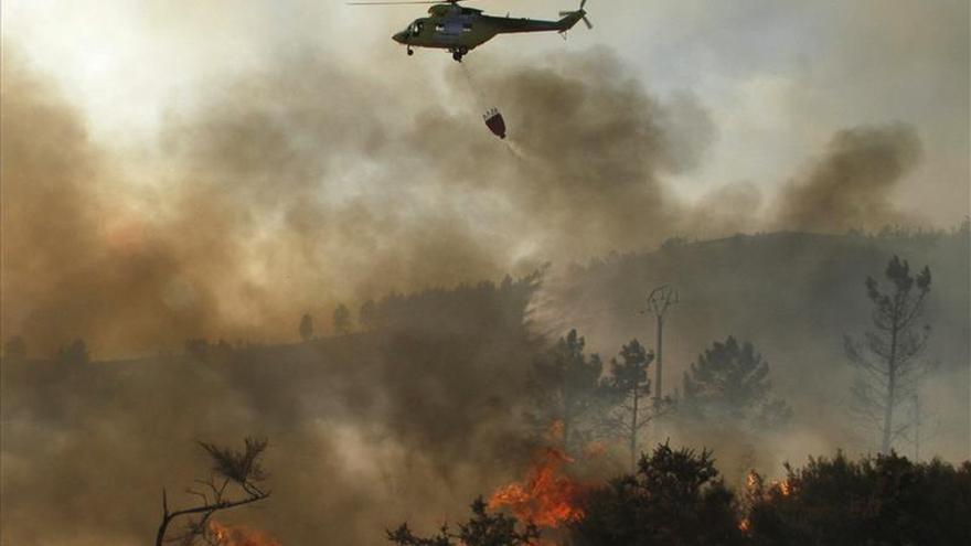 Activo un incendio forestal en Vilariño de Conso que quemó unas 50 hectáreas