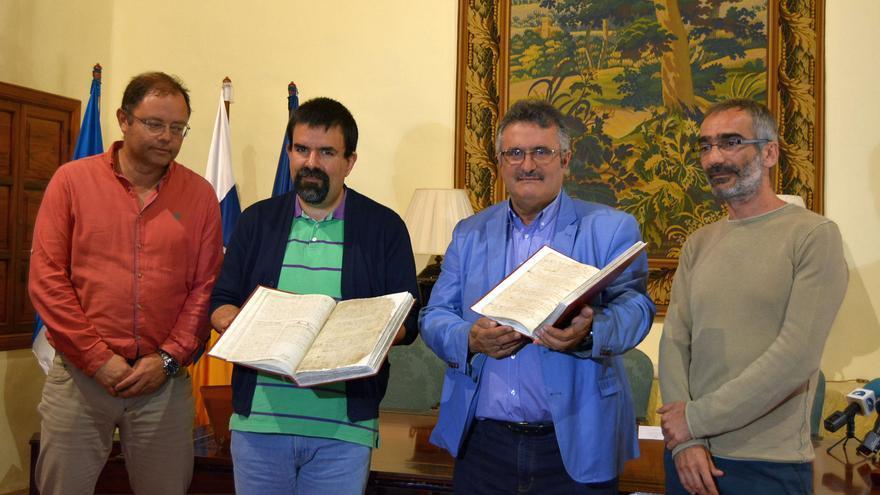 Acto de presentación de los libros restaurados.